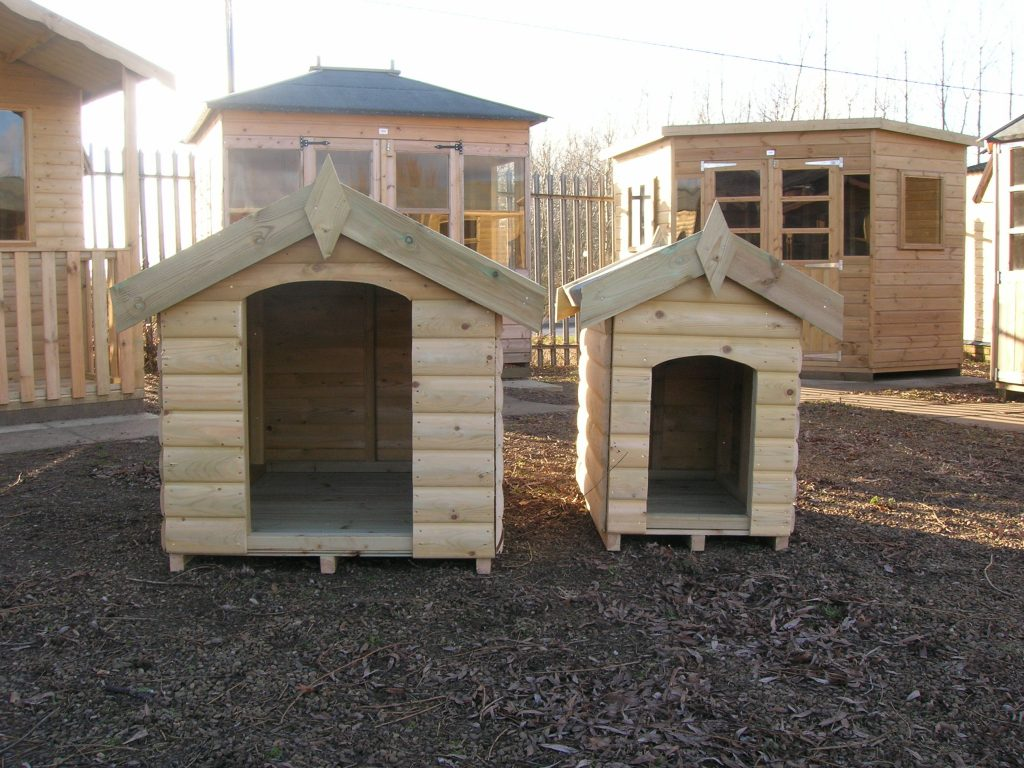 Traditional Dog Kennel